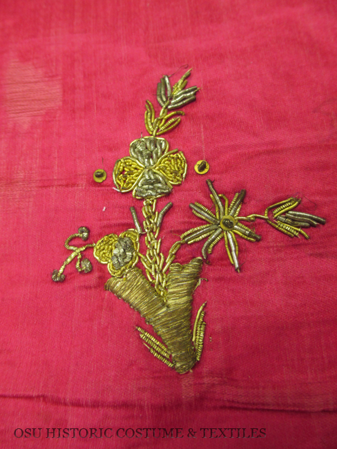 HCT.1992.140.5 Turkey goldwork detail 2
